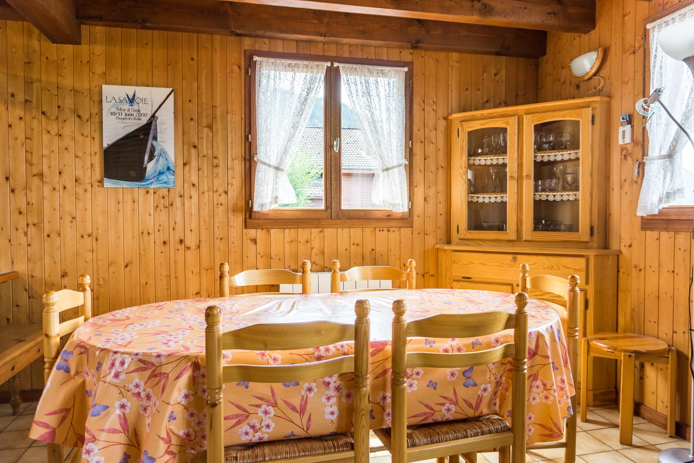 revente fleur des neiges salle a manger chalet thollon thollon immobilier. Black Bedroom Furniture Sets. Home Design Ideas